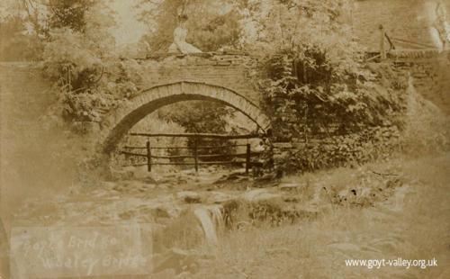 The packhorse bridge. c.1900