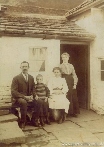 The Lowe family. c.1915.