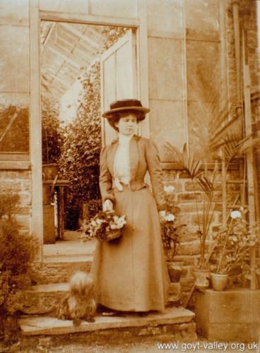 Esme Preston. 1909.